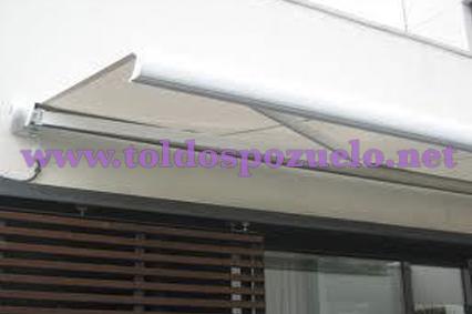 TOLDO EXTENSIBLE CON COFRE MAXIBOX 400 | TOLDOS POZUELO